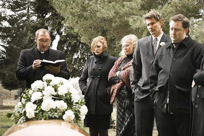 приметы о похоронах
