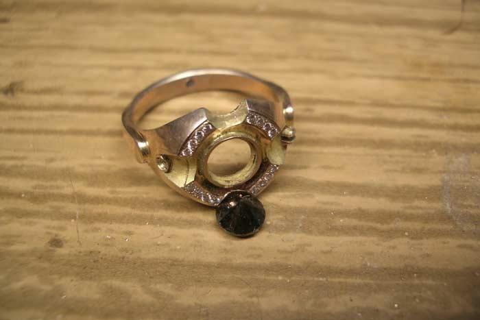 выпал камень из кольца приметы