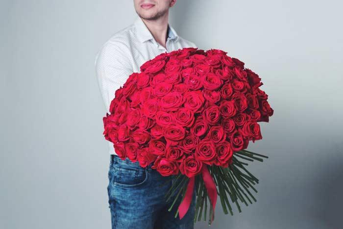 100 роз