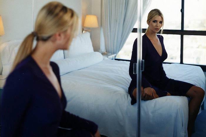 отражение кровати