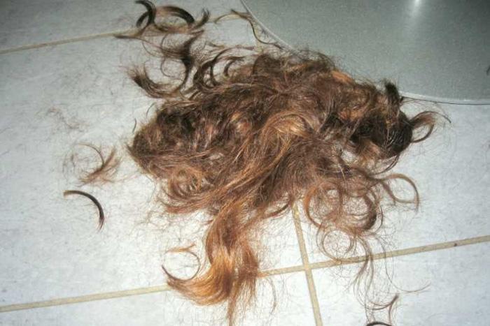 состриженные волосы